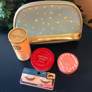 😊 5/$20 Small makeup bag with new products